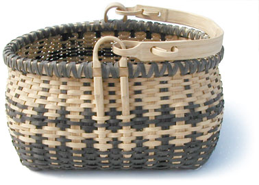 [Traditional Ozark Swing Handle Basket]